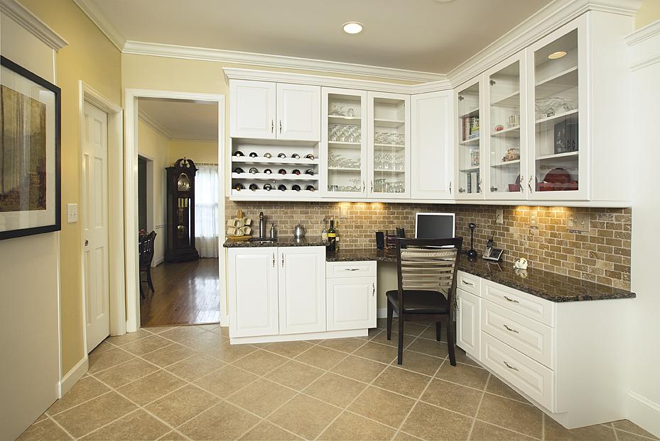 Kitchen corner desk cabinet for Computer in kitchen ideas