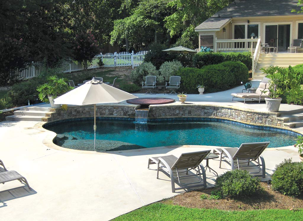 Pools and spas design atlanta home improvement - Pools in small spaces set ...