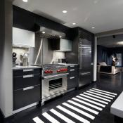 Beautiful black and white kitchen design