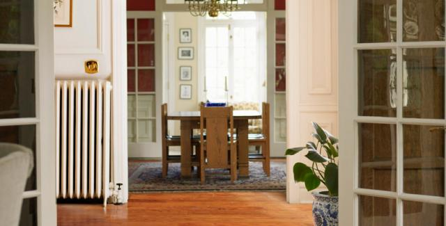 Timberclick Golden Wheat Oak Locking Solid Hardwood in Entryway