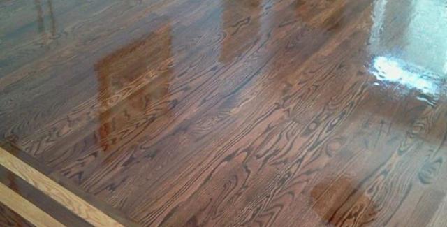 Custom hardwood floor inlaid design