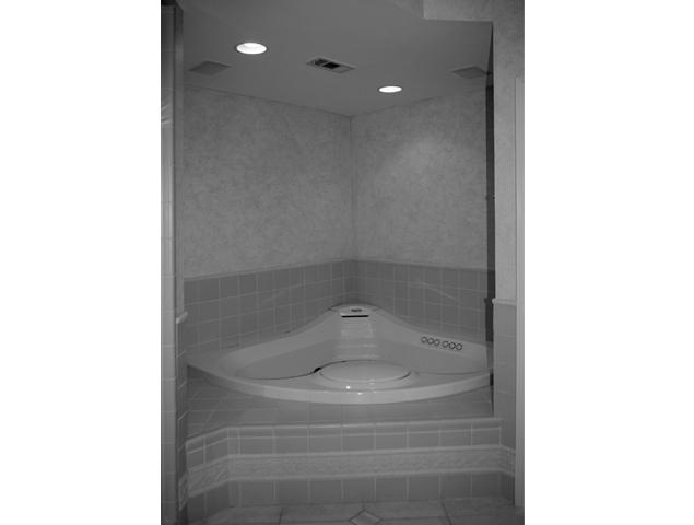Outdated tile and tub