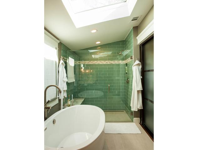 Close up view of master bathroom